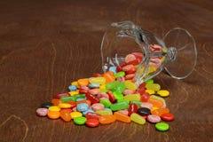 Spilled clasificó los caramelos Fotos de archivo