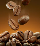 Spilling coffee beans Royalty Free Stock Images