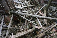 Spillror och fördärvar av huset som förstörs av kraftig earthqu Royaltyfri Bild