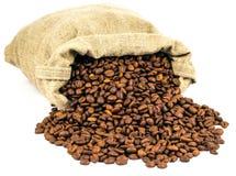 Spillt kaffe ut ur påsen arkivbilder