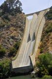 Spillway concreto dell'acqua Immagini Stock