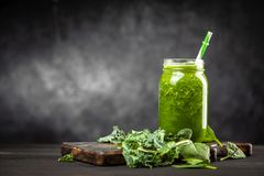 Spinach and kale smoothie Royalty Free Stock Images