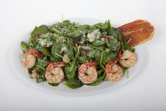 Spinach salad with shrimp Royalty Free Stock Photos