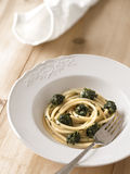 Spinach spaghetti pasta Royalty Free Stock Photos