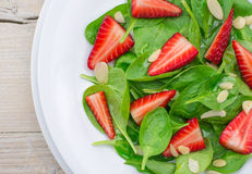 Spinach and strawberry salad Stock Images