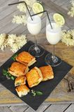 Spinach and vegetable pastry and cocktails Stock Photos
