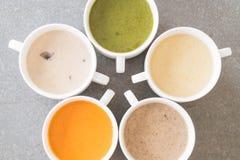 Spinaci, carota, fungo, minestre del cereale immagine stock