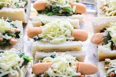Spinaci cotti con formaggio immagini stock libere da diritti