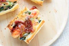 Spinaci cotti con formaggio fotografie stock libere da diritti