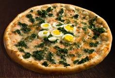 Spinaci de la pizza Imágenes de archivo libres de regalías