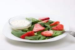 Spinaci ed insalata delle fragole Immagini Stock Libere da Diritti