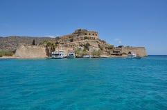 Spinalonga spetälskö, sikt av ön crete Grekland Arkivfoton