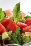 Spinat- und Wassermelonesalat Stockfoto