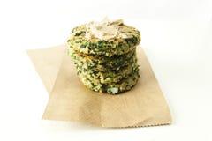Spinats-und Feta-Quinoa-Pastetchen Stockfoto