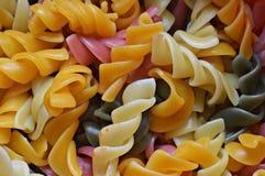 spinazie, biet, tomaat en eierendeegwaren royalty-vrije stock foto's