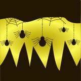 Spindlar hänger på rengöringsduken på guling-svart bakgrund Royaltyfria Foton