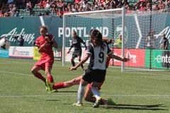 Spine di Portland contro Seattle Fotografie Stock