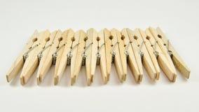 Spine di vestiti di legno   Fotografie Stock Libere da Diritti