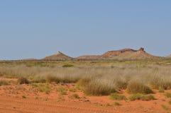Spinifex de région de Pilbara d'Australie de montagnes de désert à l'intérieur Images stock