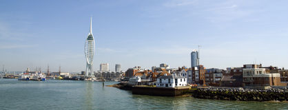 Spinnaker-Kontrollturm und altes Portsmouth Stockbilder