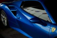 Spinnen-Blauabschluß Ferraris 488 oben Lizenzfreies Stockfoto
