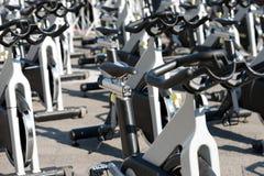 Spinnende Fahrräder Lizenzfreie Stockfotos