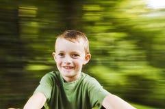 Spinnende jongen 2 royalty-vrije stock afbeelding