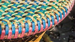 Spinnende mehrfarbige Plastiklinien Muster Stockfotos