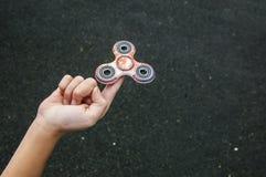 Spinner op de kindvinger Royalty-vrije Stock Foto
