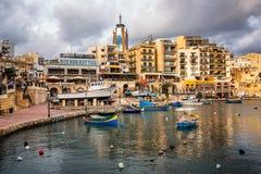 Spinola海湾和Portomaso塔在朱利安的圣徒,马耳他 库存照片