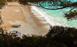 Spionage auf einem Strand Lizenzfreies Stockfoto