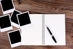 Spiraalvormig notitieboekje met fotodrukken Royalty-vrije Stock Fotografie