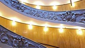 Spiraalvormige trap VATIKAAN - 19 februari, 2015: FA stock footage