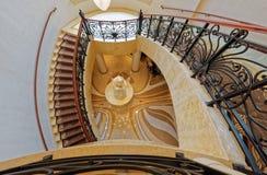 Spiraalvormige trede in hotel stock foto