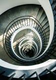 Spiraalvormige treden van hierboven stock afbeelding