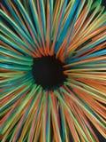 spiral i fluorescerande färger i en cirkel, texturerad bakgrund Fotografering för Bildbyråer
