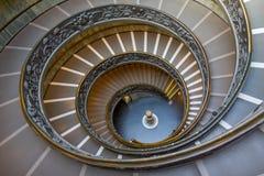 Spiral trappa av Vaticanenmuseerna, Vatican City, Italien Royaltyfri Foto
