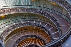 Spiral trappa av Vaticanenmuseerna, Vatican City, Italien Arkivfoto