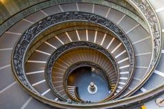 Spiral trappa av Vaticanenmuseerna, Vatican City, Italien Royaltyfria Bilder