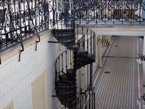 spiral trappuppgång för metall royaltyfria foton