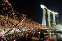 Spiralbro på Marina Bay Sands Singapore royaltyfri fotografi