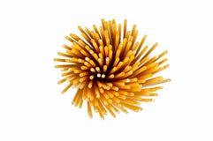 Spirale de spaghetti d'isolement sur le blanc Image libre de droits