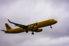 Spirit Airlines jet coming in for landing Royalty Free Stock Photos