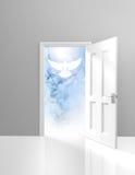 Spiritualiteit en godsdienstconcept een open deur en een hemelse witte duif stock illustratie