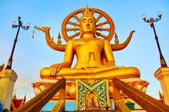 spirituality Goldener Buddha, Wat Phra Yai Temple, Thailand Reli lizenzfreies stockfoto