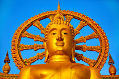 spirituality Gouden Boedha, Wat Phra Yai Temple, Thailand Reli royalty-vrije stock afbeeldingen