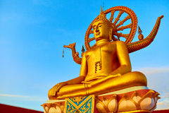 spirituality Gouden Boedha, Wat Phra Yai Temple, Thailand Reli royalty-vrije stock fotografie