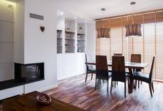 Spis i vardagsrum fotografering för bildbyråer