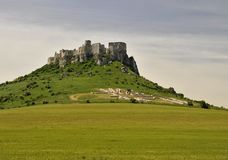 Spissky Castle and kelt geoglyf Royalty Free Stock Photos
