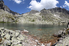 5 Spisskych kursują - tarns w Wysokim Tatras, Sistani Zdjęcia Stock